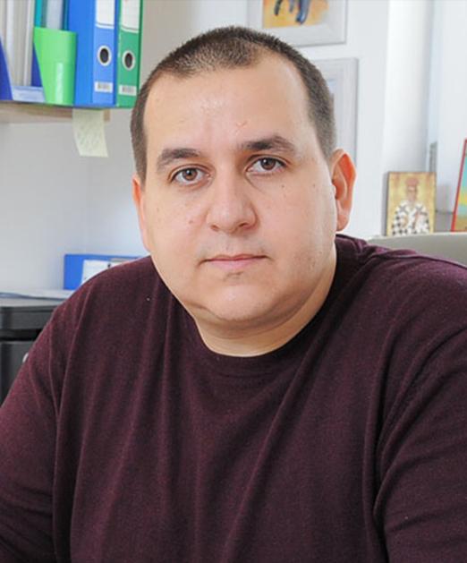 Master defektologije - logoped specijalista defektologije Nenad Novaković, logopedski kabinet Novaković u Kragujevcu i Svilajncu.