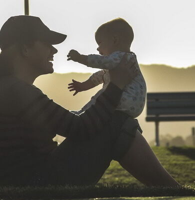 Jedna od najznačajnijih životnih uloga koja bitno menja dotadašnji način života i utiče na obavljanje svih ostalih uloga je roditeljska